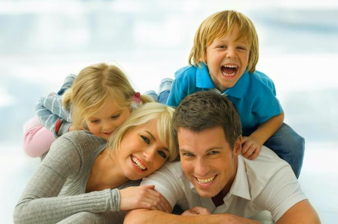 iStock_000007889488Mediumhappyfamily