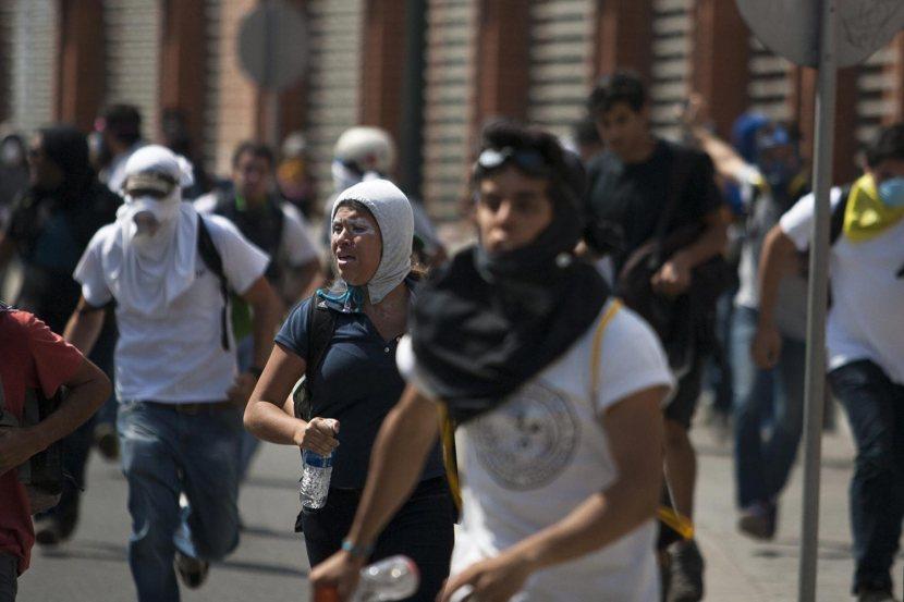 manifestacion-caracas-estudiante-200314-1